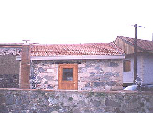 Louvaras cottage for sale in cyprus back.jpg (23580 bytes)