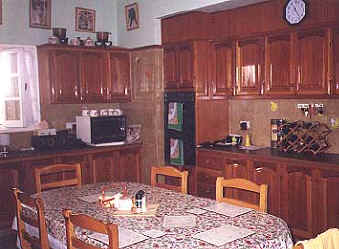 House in Dherenia for sale kitchen 2.JPG (27002 bytes)